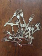 18 fourchettes vintage poissons ou huîtres vintage.