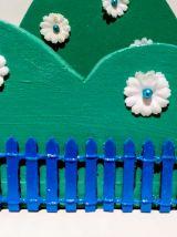 Etagère buisson vert, veilleuse lapin, vert et bleu