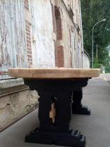 table a manger monastère? elle est en chêne massif