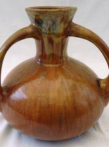 Vase à trois anses