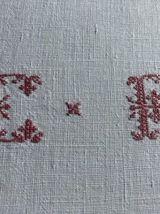 Nappe de vigneron, monogramme et liteaux