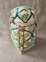 Grande boite à riz en bambou.
