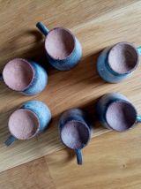 Tasses ou verres à liqueur en céramique émaillée, ensemble d