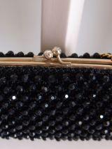 Minaudière noire en perles et crochet