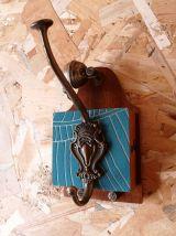 """Patère bois métal porte manteau vintage """"Sonnette Bleu Doré"""""""