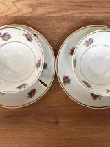 Paire de tasses et sous-tasses en porcelaine de Limoges