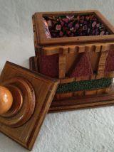 RARE BOITE Couture bois sculpté et pierres rupeuses