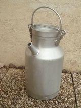 Bidon  a lait , vintage