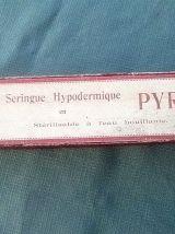 ancienne seringue hypodermique 100 CC pyrex , vintage