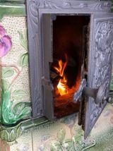 Poêle à bois ancienen faïence  XIX ème entièrement restauré