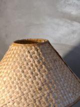 lampe bois tourné avec veinage marquer et abat jour rotin 19