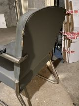 Tabouret industriel  et fauteuil de bureau  ,