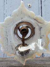 applique bronze et tulipe en verre opalescent