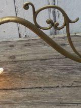 applique laiton et tulipe en verre opalescent