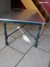 Table basse fer années 80.
