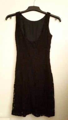 Robe dentelle noire H&M