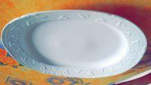 Plat de service en porcelaine