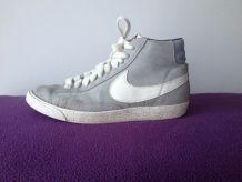 Nike blazer grises