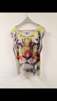 T-shirt motif tigre.