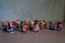 lot 15 personnages kinder