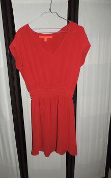 Robe rouge taille 38 Mango