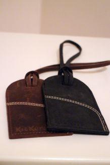 Etiquette en cuir Kickers pour bagage