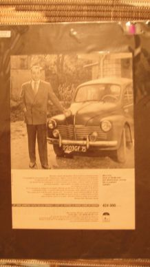 Affiche publicitaire automobile