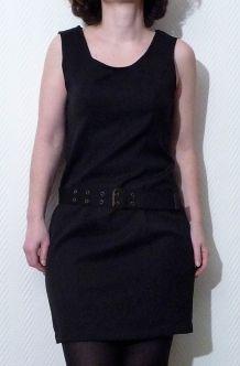 Robe Cintrée Sans Manches Noir En Polyester
