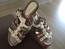 chaussures d'occasion sandales compensées tendance