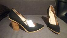 NEUFS - Escarpins pointus noirs, en toile - Pointure 40