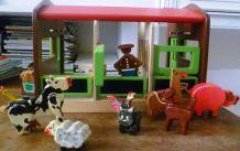 Ferme en bois, fermiers, animaux en bois