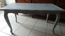 table basse gris pastel