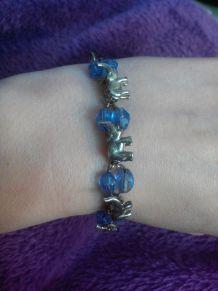 bracelet éléphants et pierre bleues