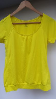 T-shirt de sport jaune