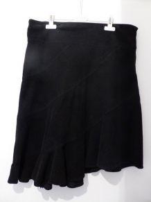 Jupe noire asymétrique en velours