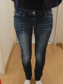 Jean slim skinny bleu délavé