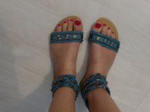 Sandales bleues montantes été