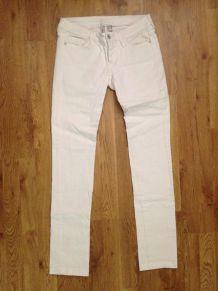 L'intemporel jean blanc