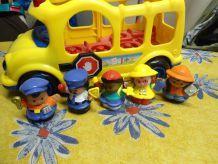 bus little people