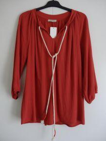 Tunique rouge de marque Purple's by SH. Taille S.