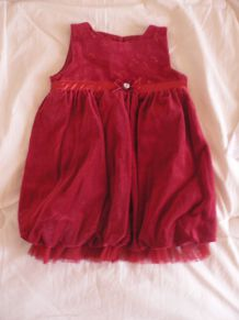 jolie robe 6-9 mois St Bernard