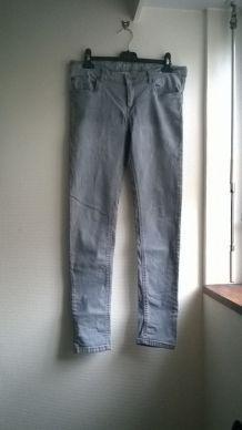 Beau jean slim gris clair