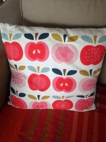 Coussin pommes vintage