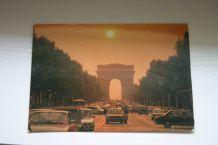 Carte postale / L'arc de Triomphe vu des Champs Elysées