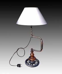 Lampe Chignole, Vilebrequin, sur socle métal