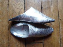 Babouches / chaussons / chaussures En Cuir Argenté- Pointure 36