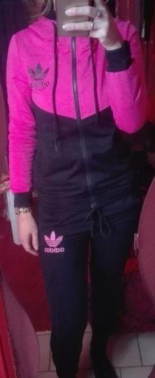 Ensemble Adidas rose et noir