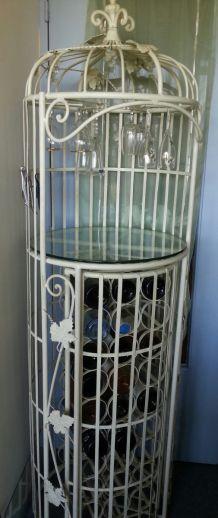 Bar genre cage