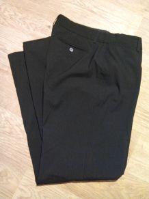 Pantalon noir coupe droite