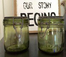 lot de 2 bocaux en verre anciens verts/jaune